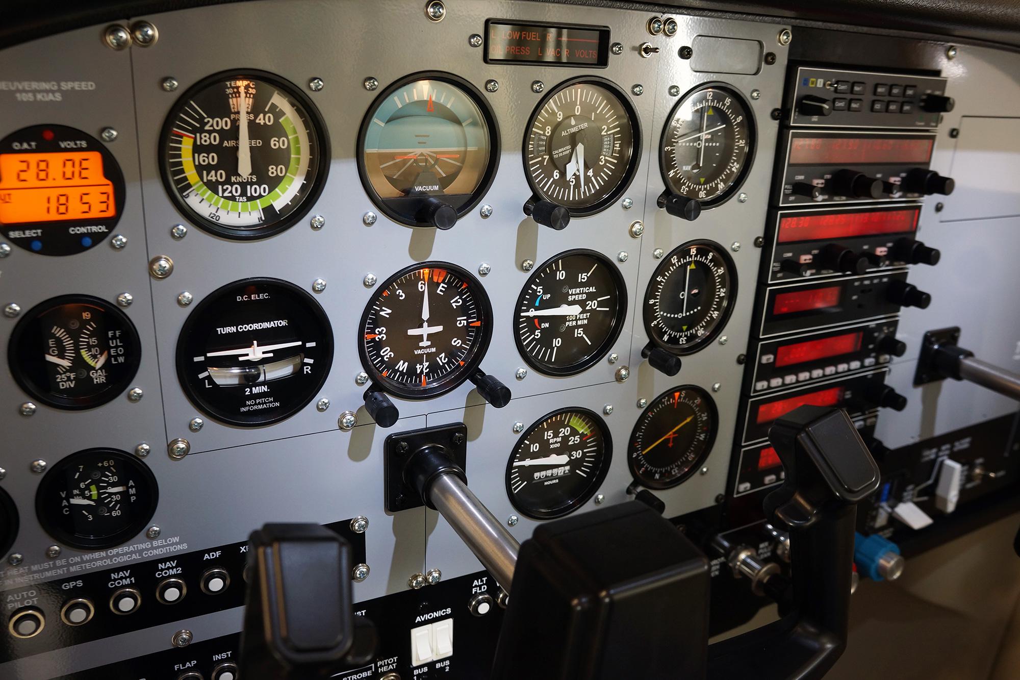 TRC 472A Flight Deck